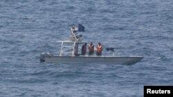 در تنش های اخیر قایق های ایران که پرچم سپاه هم دارند، حضور داشته اند.