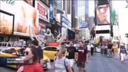 Upozorenje na globalno zatopljavanje. Flote holograma iznad Times Square-a