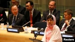 Malala Yousafzai durante su discurso en la sede de Naciones Unidas en Nueva York este viernes 12 de julio donde defendió la educación gratuita y obligatoria para todos los niños del mundo.