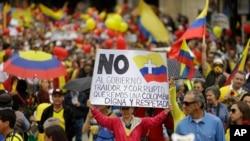 En Bogotá, unas 60.000 personas marcharon desde el Parque Nacional hasta la Plaza de Bolívar.