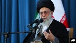 سیاستمداران تندرو در ایران مخالف برجام و طرفدار مقابله با امریکا استند.