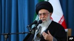علي خامنه یي وایي د تهران بریدونه به د متحده ایالاتو او سعودي پر وړاندې د ایرانیانو کرکه نوره هم زیاته کړي