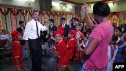 Obama Asya Turuna Devam Ediyor