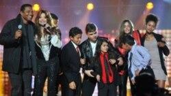 کنسرت یادبود مایکل جکسون با حضور فرزندان او در انگلستان