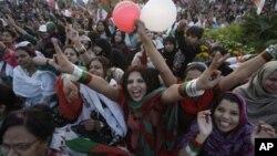 统一民族运动党的女支持者2月19日在卡拉奇举行大规模集会,争取妇女权益