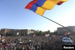 Ermənistanda baş qaldıran etiraz dalğası uzun müddət hakimiyyətdə olmuş Serj Sarqsyanın istefasına yol açdı.
