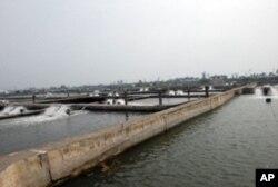 台湾最南部屏东县仿寮乡是台湾最主要的水产养殖地区