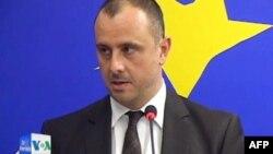 KE i ofron Kosovës dialogun për vizat, Serbisë statusin e kandidatit