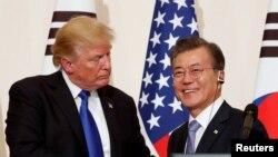 Tổng thống Mỹ Donald Trump và Tổng thống Hàn Quốc Moon Jae-in.