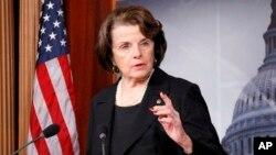 La propuesta es impulsada por la senadora Diane Feinstein. Los demócratas están presionando a los conservadores para que se pronuncien al respecto, ya que muchos de ellos se manifestaron en contra de esta postura cuando Trump la lanzó durante la campaña electoral.