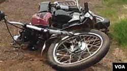 """Mota do """"kupapata"""" atropelado mortalmente no Menongue (foto cedida por populares)"""