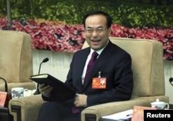 2012年11月9日,中共十八大期间,吉林省委书记孙政才在分组会议上。
