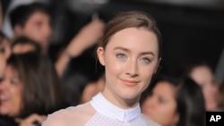 """Sursha Ronan Gollivudning endi e'tiborga tushayotgan yangi avlod aktrisalaridan. 21 yoshli Sursha eng zo'r aktrisa yo'nalishida """"Oskar"""" mukofoti uchun kurashmoqda."""
