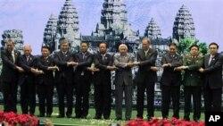 지난 5월 29일 캄보디아에서 열린 ASEAN 정상회의에 참석한 각 국 대표들.