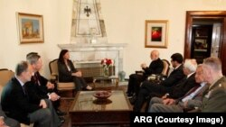 حکومت افغانستان هنوز هم به شروط خود برای امضای سند امنیتی تاکید دارد.