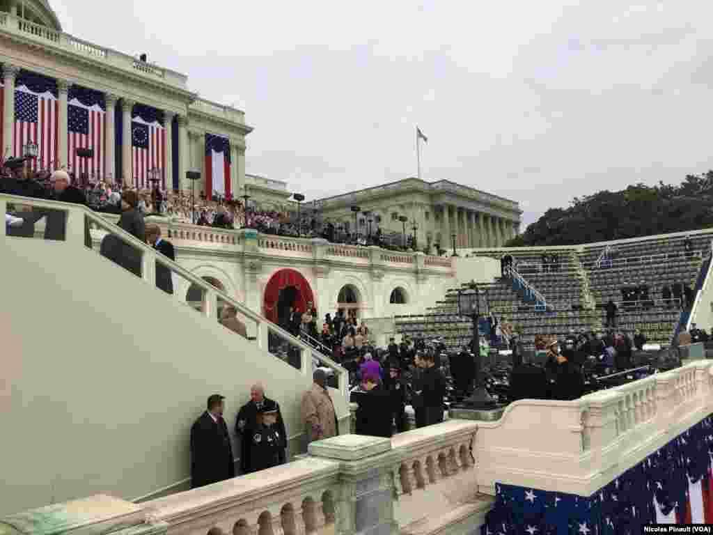 Capitol Hill, Washington DC, sáng 20 tháng Giêng. (VOA/Nicolas Pinault)