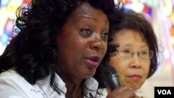 """古巴的人權組織""""白衣女士""""領導人索萊爾講話(美國之音國符拍攝)"""