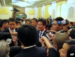 张春贤回答记者提问