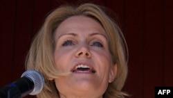 Các cuộc thăm dò các cử tri cho thấy các ứng cử viên đảng đối lập do bà Helle Thorning-Schmidt lãnh đạo, chiếm đa số phiếu