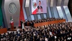 Presiden Meksiko Enrique Pena Nieto menyampaikan pidato kenegaraan tahunannya yang kelimahari Sabtu (2/9) di Mexico City.