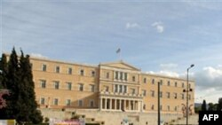 Deputetët grekë miratuan buxhetin e vitit 2011 me masa të rrepta