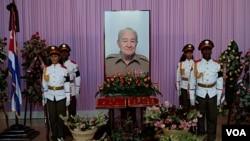 El presidente cubano Raúl Castro participó en una ceremonia privada en La Habana para recordar a Casas.