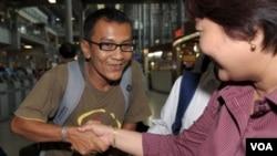 Kyaw Zaw Lwin, saat tiba di bandara Suvarnabhumi, Bangkok, 18 Maret 2010.