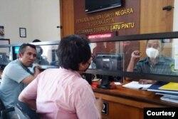 GKJ Gunungkidul dan LBH Yogyakarta meminta eksekusi putusan dari PTUN Yogyakarta Senin, 18 Januari 2020 terkait IMB kantor Klasis GKJ. (foto: VOA/Nurhadi)