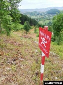 Oznaka upozorenja na opasnost od mina uklonjena je nakon deminiranja