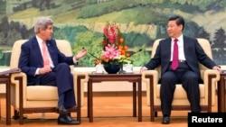 美國國務卿克里與中國國家主席習近平2014年2月14日在北京人民大會堂會面