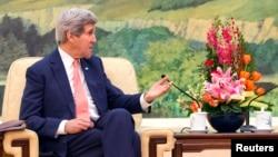 2014年2月14日美国国务卿约翰·克里在北京人民大会堂(资料照片)