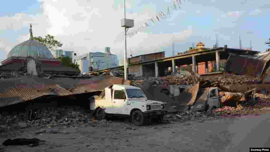 地震中被毁的学校
