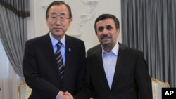 """En su visita a Teherán, el secretario general de la ONU insistió en la """"preocupación"""" de la comunidad internacional acerca del programa nuclear iraní, que los dirigentes del país califican como """"pacífico""""."""