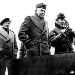 盟军总指挥官艾森豪威尔将军