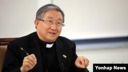 김희중 대주교를 단장으로 한국 천주교 주교들 17명이 오는 12월 1일부터 나흘 간 북한을 방문한다. 사진은 김희중 대주교. (자료사진)