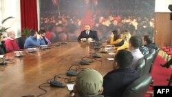 Shqipëri, opozita kërkon shkarkimin e kryetares së Parlamentit