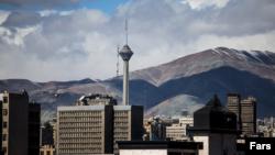 چندی پیش بوی بد و نامطبوع در بخشهای گستردهای از تهران،از سوی مردم استشمام شد که تا کنون اخبار ضدونقیضی درباره علت انتشار این بو منتشر شده است.