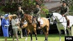 Como parte de las celebraciones por su aniversario en el trono, la reina Isabel II, quien es una gran admiradora de las carreras de caballo, asistirá a una carrera en el Epson Derby.