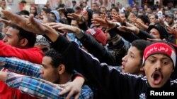 11일 이집트 카이로의 타흐리르 광장에 모인 시위대.