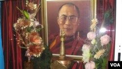 俄羅斯佛教徒供奉的達賴喇嘛像