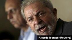 Lula da Silva levado para interrogatório 3:15