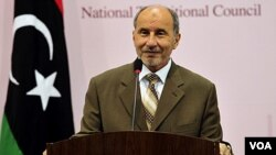 Abdul-Jalil preside el Consejo Nacional de Transición, creado en Bengasi, ciudad oriental libia.