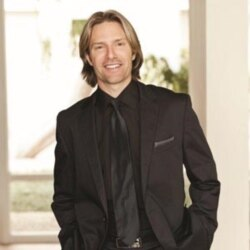 Virtual Choir composer Eric Whitacre