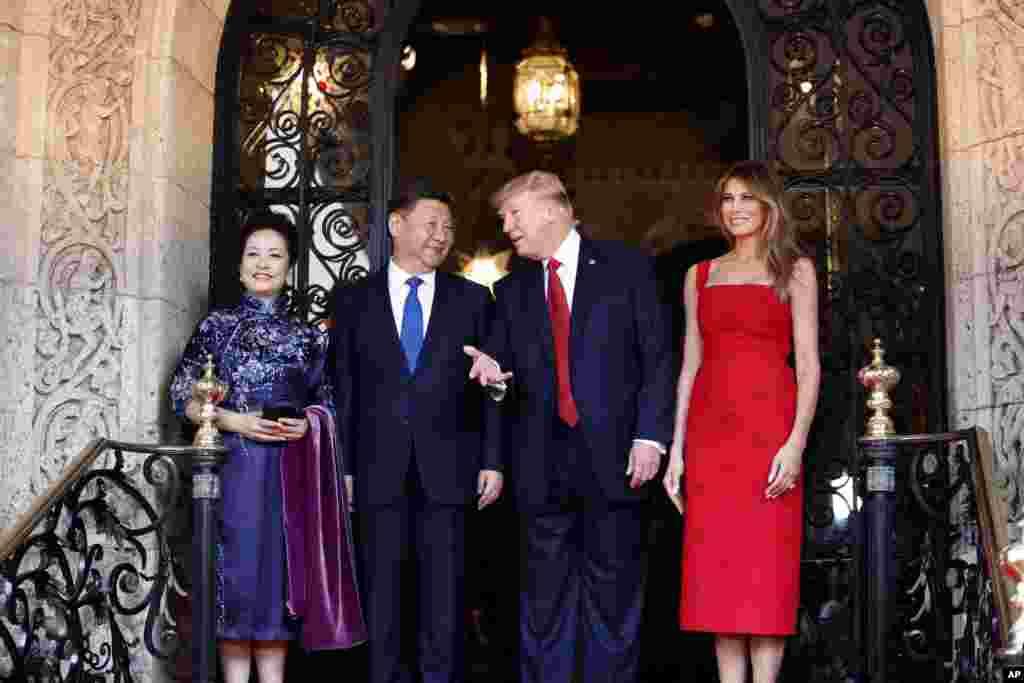 Президент США Дональд Трамп и первая леди Мелания встертились во Флориде с председателем КНР Си Цзиньпином и его супругой. 6 апреля 2017 года