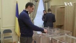 Українці голосують на виборчій дільниці у Вашингтоні. Відео