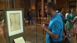 美独立宣言珍本展出 历史细节令观者玩味