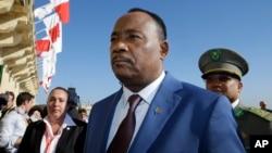 Le Président Mahamadou Issoufou du Niger arrive à un sommet sur les migrations à La Valette, à Malte, le 12 nov 2015.