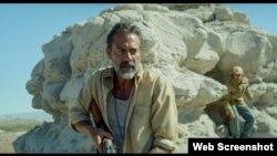 STX Entertainment گایل گارسیا برنال و جفری دین مورگن در فیلم دشت