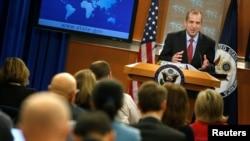 Quyền phát ngôn viên Bộ Ngoại giao Mỹ Mark Toner tại họp báo ở Washington, 7/3/2017.