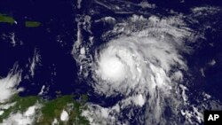 美国航空航天局提供的图片,显示飓风玛丽亚正在向小安的列斯群岛移动 (2017年9月17日)